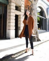 coat,oversized coat,pumps,high waisted pants,black bag,black pants,sweater