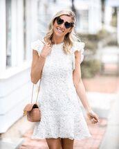 dress,white dress,mini dress,sleeveless dress,crossbody bag