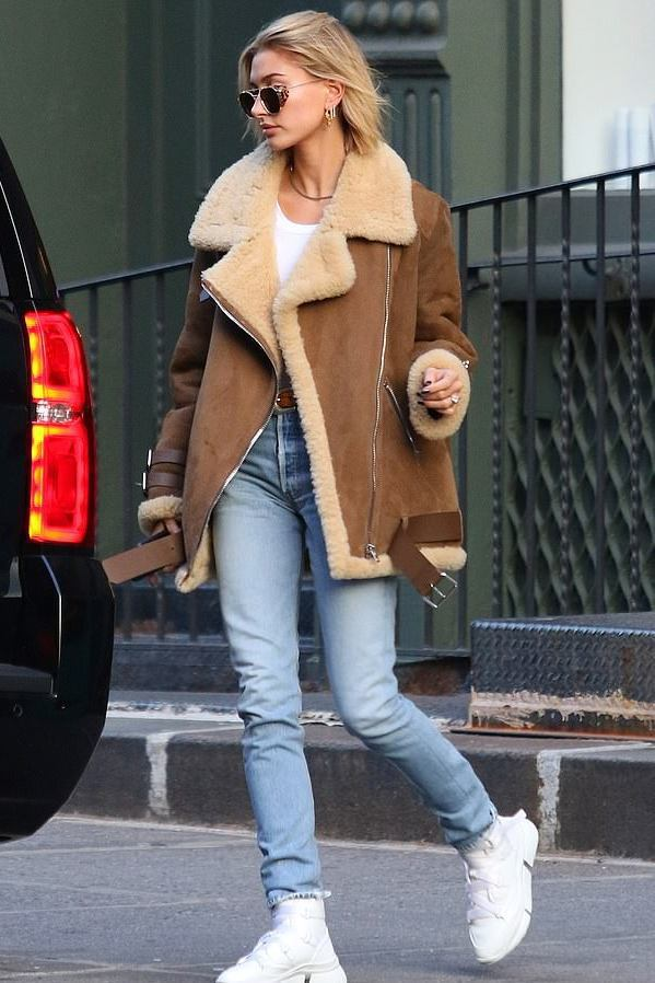 jacket jeans denim hailey baldwin model off-duty fall outfits streetstyle