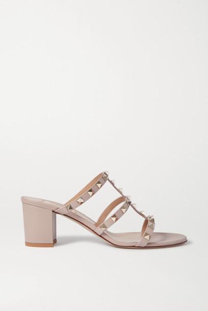 Valentino - Valentino Garavani 60 Rockstud Leather Sandals - Neutral