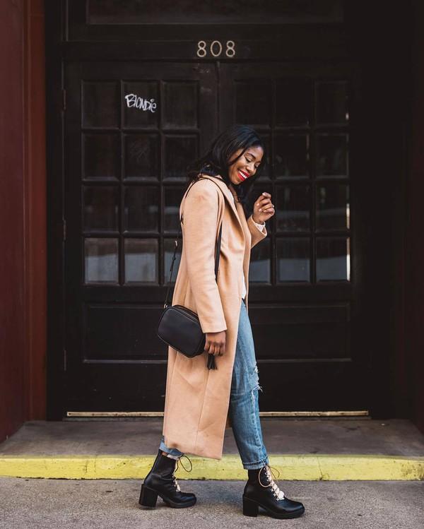 coat long coat pink coat black boots combat boots lace up boots ripped jeans boyfriend jeans black bag crossbody bag
