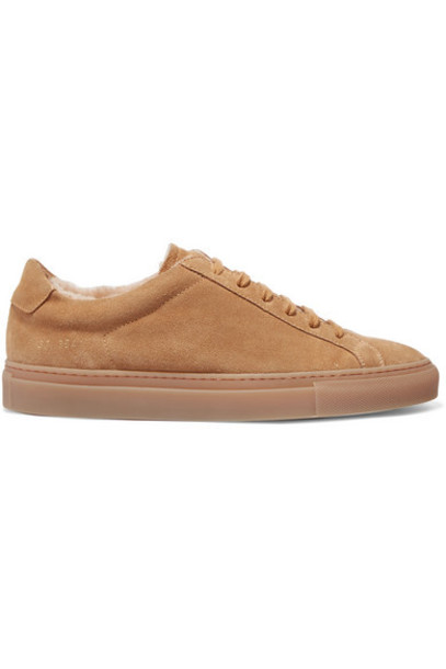 Common Projects - Retro Low Shearling-lined Suede Sneakers - Tan