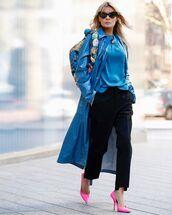coat,long coat,pumps,black pants,straight pants,black blouse,shoulder bag