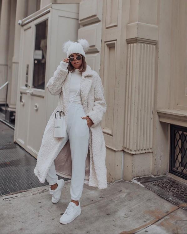 coat white coat teddy bear coat white bag joggers white turtleneck top beanie h&m white sneakers white top