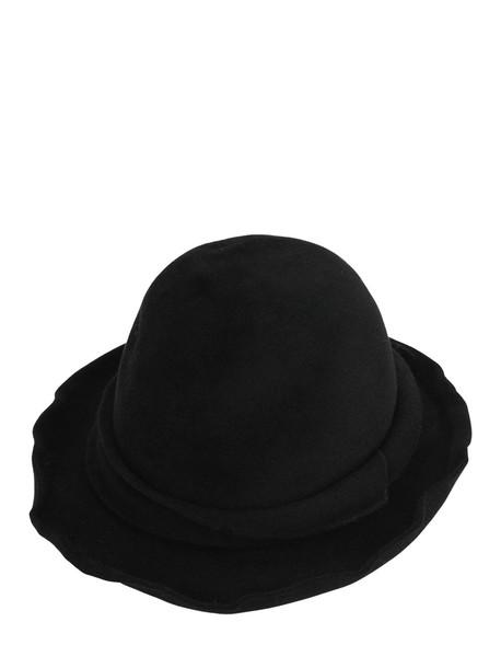 SCHA Small Unique Hat in black