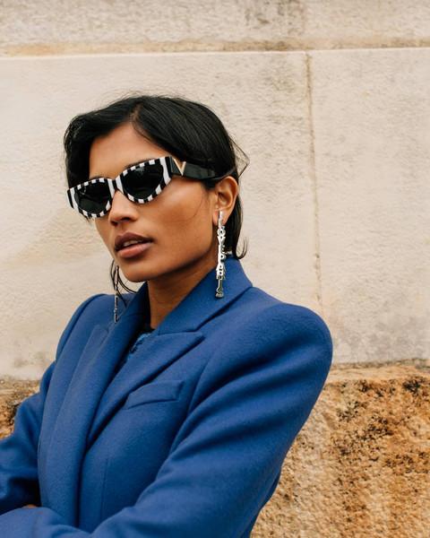 coat sunglasses jewels