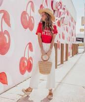 bag,handbag,white pants,wide-leg pants,platform sandals,red top,hat