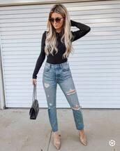 jeans,ripped jeans,pumps,black bag,casual,black blouse,sunglasses