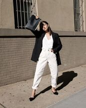 jeans,mom jeans,white jeans,black blazer,mules,white t-shirt