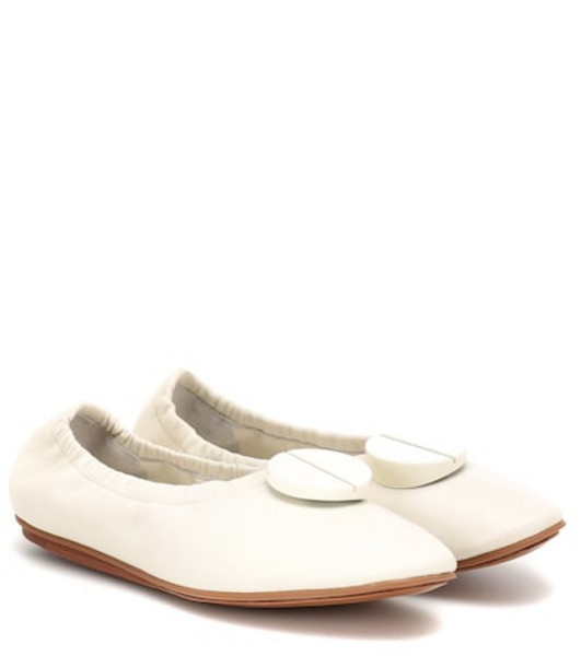 Mercedes Castillo Lena leather ballet flats in white