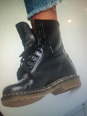 shoes,slings,caoutchouc,black boots,ankle boots
