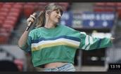 shirt,green,stripes,taylor swift,cropped,sweatshirt