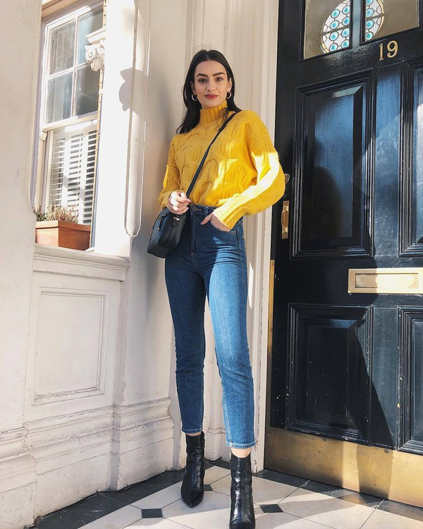 sweater turtleneck sweater yellow sweater cable knit high waisted jeans skinny jeans black boots ankle boots black bag