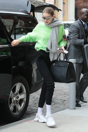 sweater,gigi hadid,model off-duty,casual,sweatshirt,green