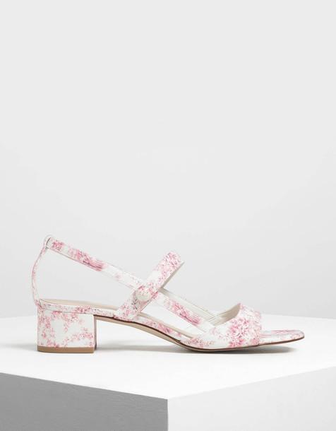 Printed Fabric Open Toe Block Heel Sandals in pink