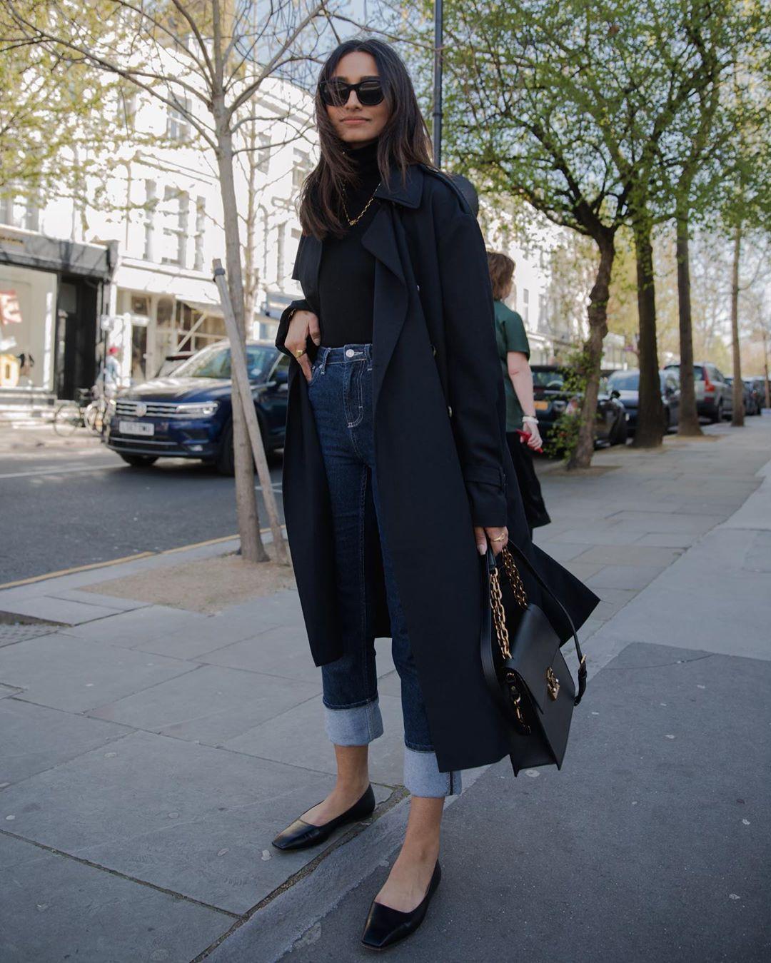coat trench coat high waisted jeans ballet flats black bag black turtleneck top