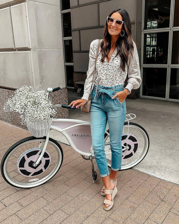 top blouse long sleeves floral skinny jeans high waisted jeans platform sandals