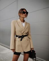 jacket,blazer,double breasted,black shorts,black bag,white t-shirt,belt bag