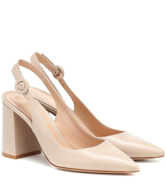 Gianvito Rossi Slingback leather pumps in beige