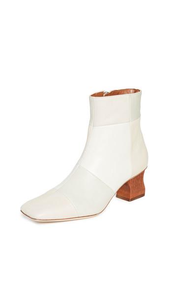 Rejina Pyo Yuki Boots in cream