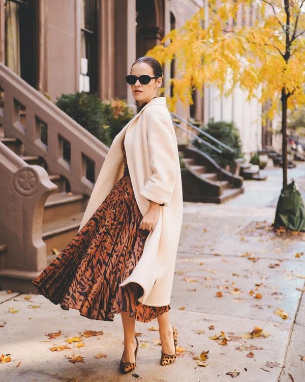 dress midi dress pleated dress pumps coat