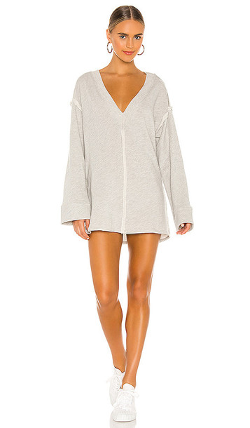 L'Academie Carmel Top in Grey