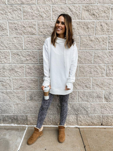 mrscasual blogger sweater leggings