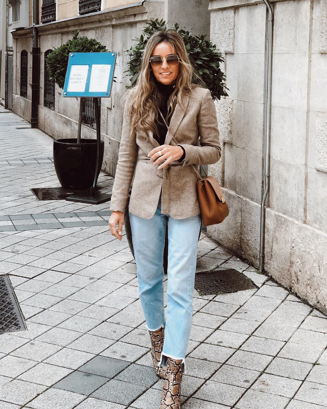 jeans straight jeans ankle boots snake print blazer turtleneck crossbody bag