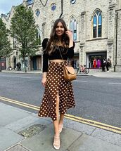 skirt,midi skirt,polka dots,white sandals,black top,brown bag,puffed sleeves