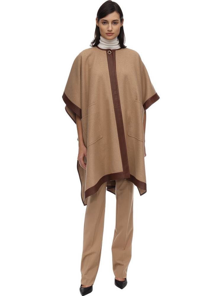 BURBERRY Cashmere Cape in camel