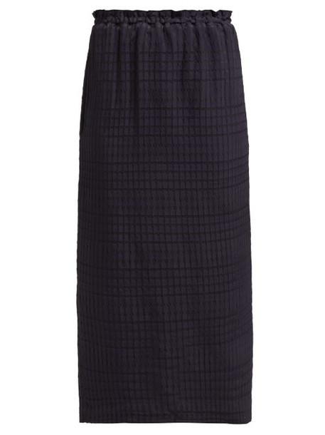 Raey - Elasticated Waist Seersucker Skirt - Womens - Navy