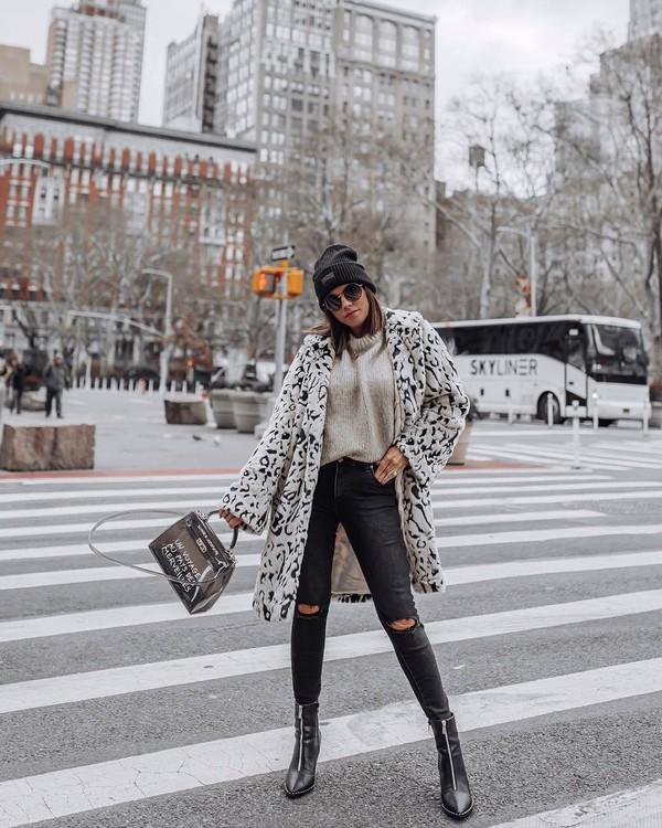 coat faux fur coat leopard print black boots ankle boots ripped jeans black skinny jeans handbag sweater beanie