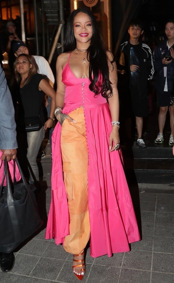 shoes pants dress celebrity pink rihanna sandals