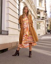 dress,asymmetrical dress,striped dress,ankle boots,trench coat