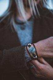 jewels,labradorite,labradorite bracelet,bracelets,fashion,fashion bracelet,charm brac,silver bracelet,gemstone,bracelet chains,cuff bracelet,stacked bracelets,tumblr fashion