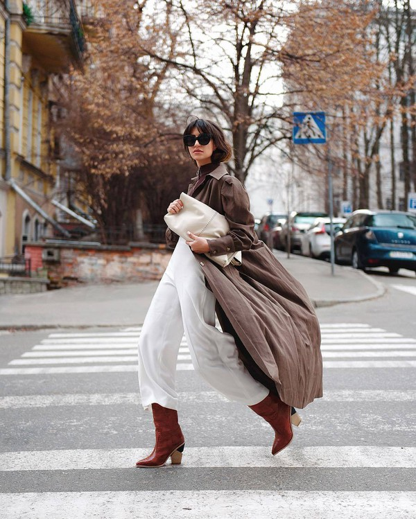 jumpsuit white jumpsuit white bag long coat brown coat brown boots knee high boots