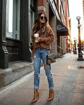 sweater,turtleneck sweater,pumps,ripped jeans,gucci bag,crossbody bag,knitted sweater