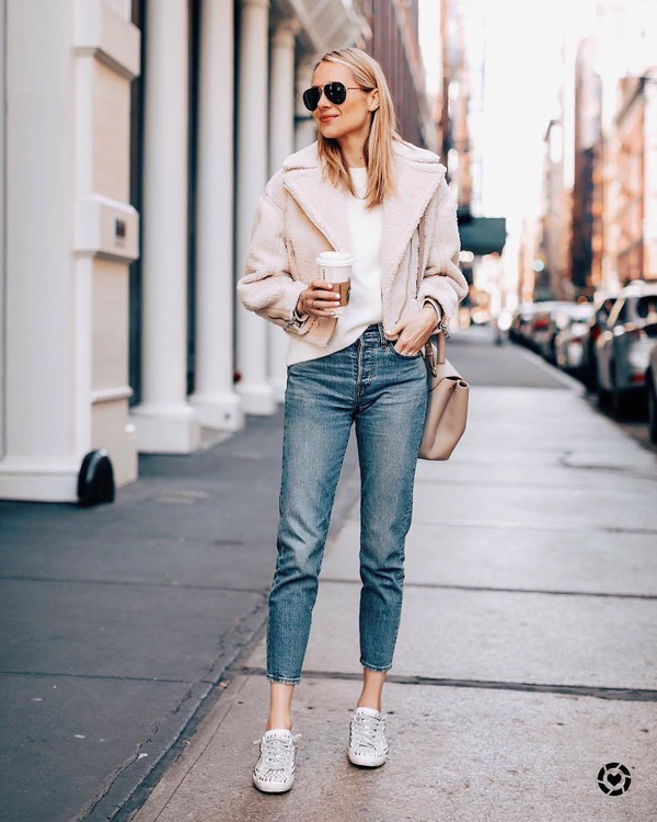 jeans high waisted jeans levi's straight jeans sneakers shearling jacket white sweater bag sunglasses