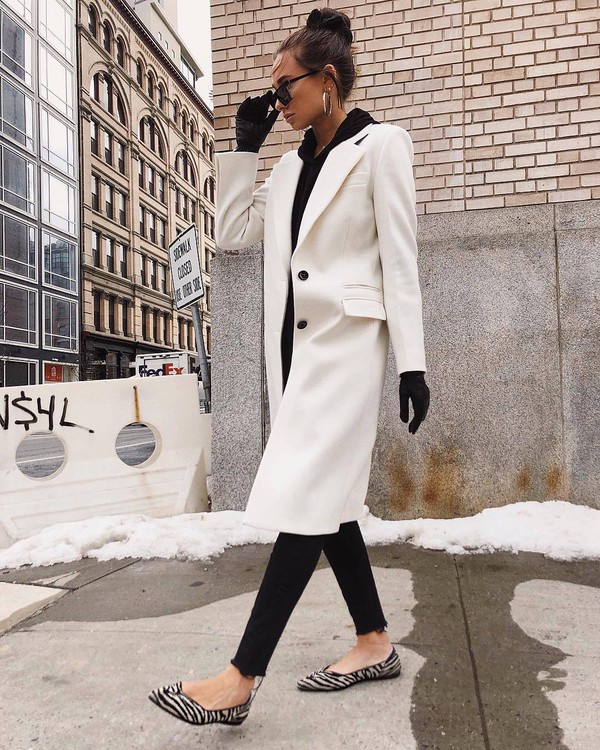 shoes flats zebra print black skinny jeans cropped jeans white coat gloves black hoodie