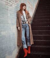 coat,long coat,plaid,ankle boots,heel boots,straight jeans,belt,white t-shirt