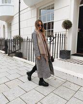 coat,grey coat,long coat,black boots,black leggings,scarf,black bag