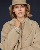 coat,hat,sweater
