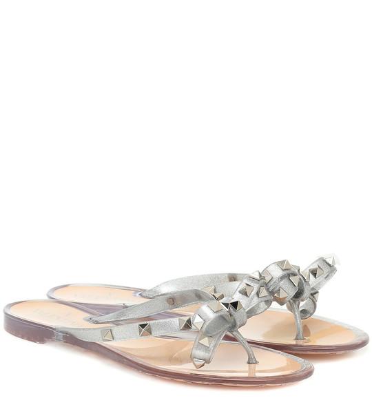 Valentino Garavani Rockstud thong sandals in silver