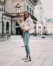 jacket,shearling jacket,ankle boots,snake print,skinny jeans,cropped jeans,white bag,top