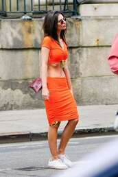 top,emily ratajkowski,two-piece,crop tops,cropped,skirt,sneakers,model off-duty
