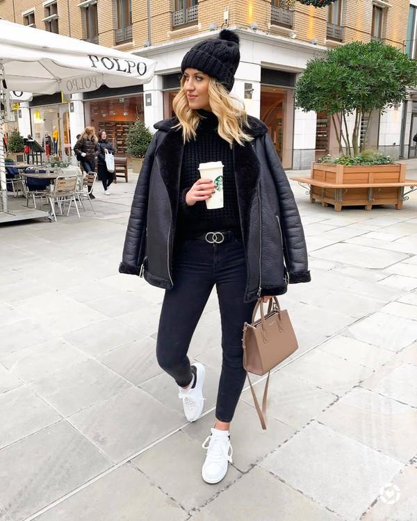 jacket aviator jacket black jacket white sneakers trainers skinny jeans black belt shoulder bag black sweater black beanie