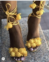 shoes,yellow lace up flower pedall