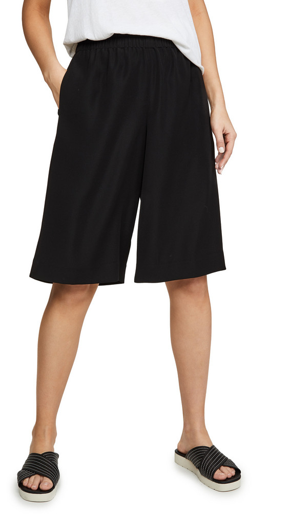 Vince Pull On Shorts in black