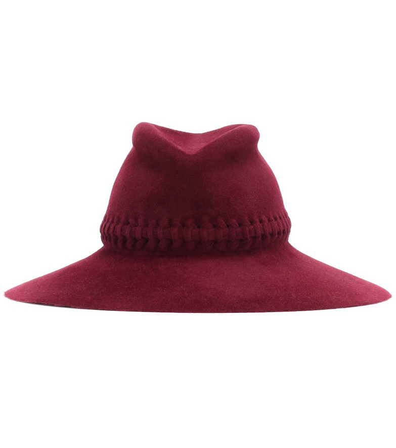 Lola Hats Exclusive to Mytheresa – Fretwork Redux felt hat in red
