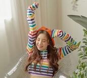 sweater,rainbow,loona,heejin,K-pop,kpop,top,turtleneck